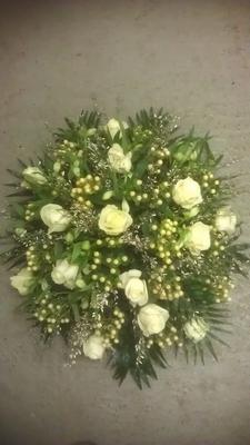 bloemstuk rond klein witcreme